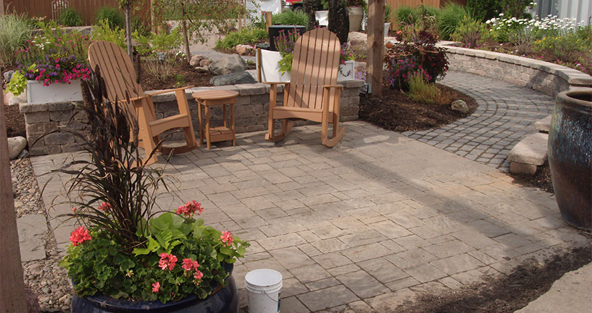 paver patio with two seats